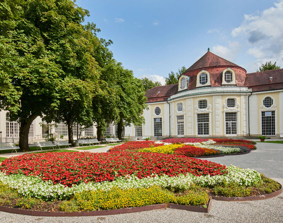 Circular Concert Hall at the Royal Spa Garden